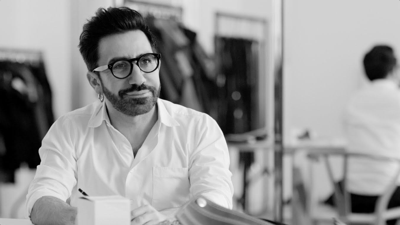 BIO  Johnny Coca joined in 2015 as Mulberry s Creative Director to oversee  the ready-to-wear 301ffe7fadff2